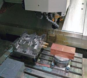 lavorazione sulla fresatrice Röders RXP 500 presso safilo